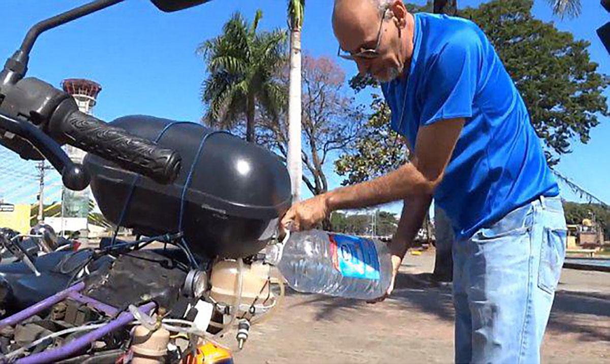 Motorcycle Travels 310 Miles On Single Liter Of Water