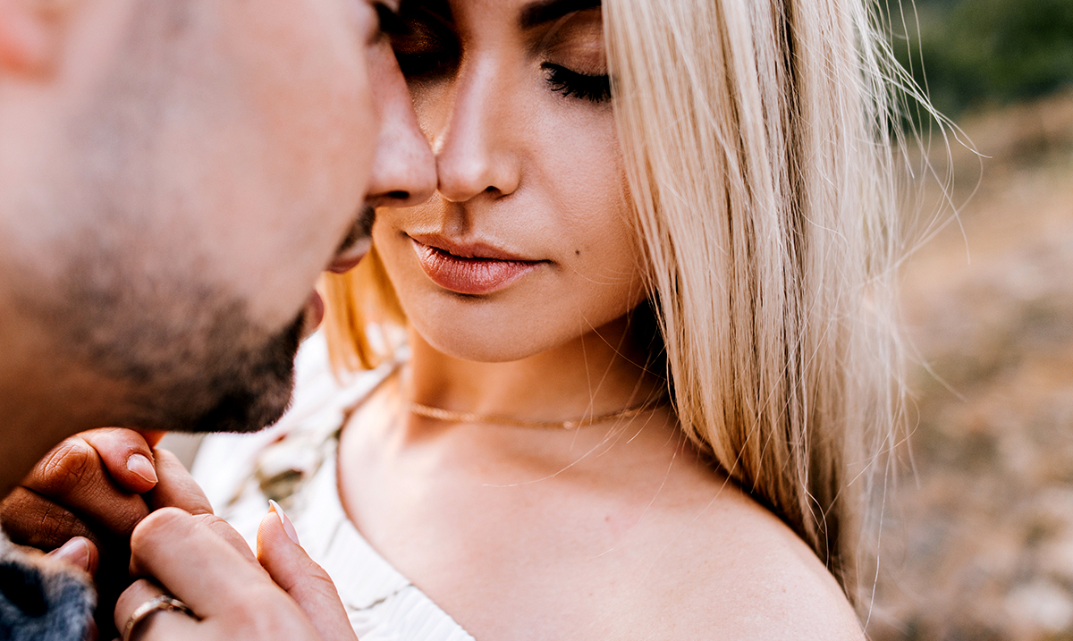 6 Small Ways A Man Makes His Wife Feel Ugly Without Saying A Thing