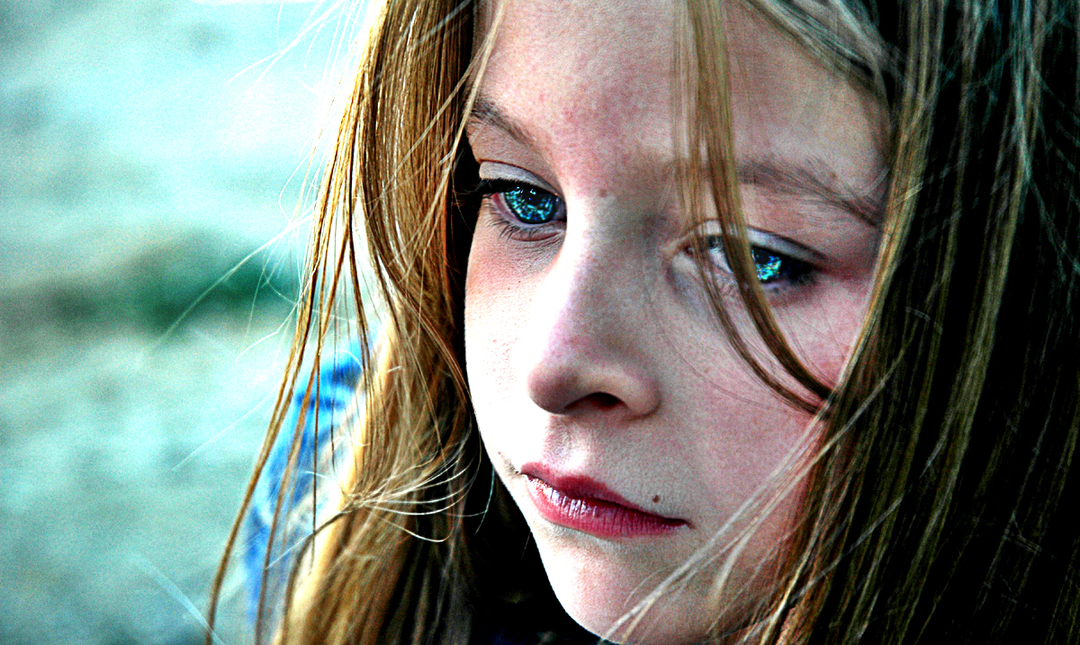 10 Common Signs That You Were Emotionally Neglected As A Child