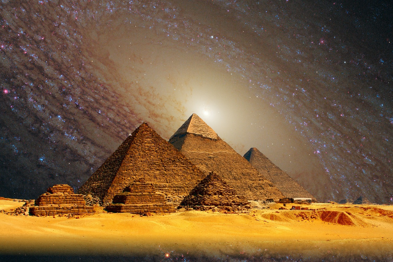 13 facts about the great pyramids of giza you probably didn t know