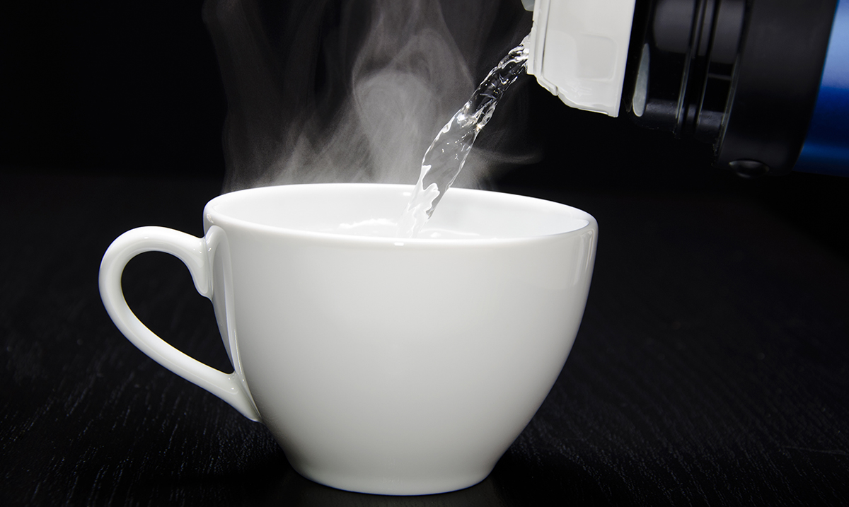 6 Things That Will Happen to Your Body if You Drink Warm Water Every Morning