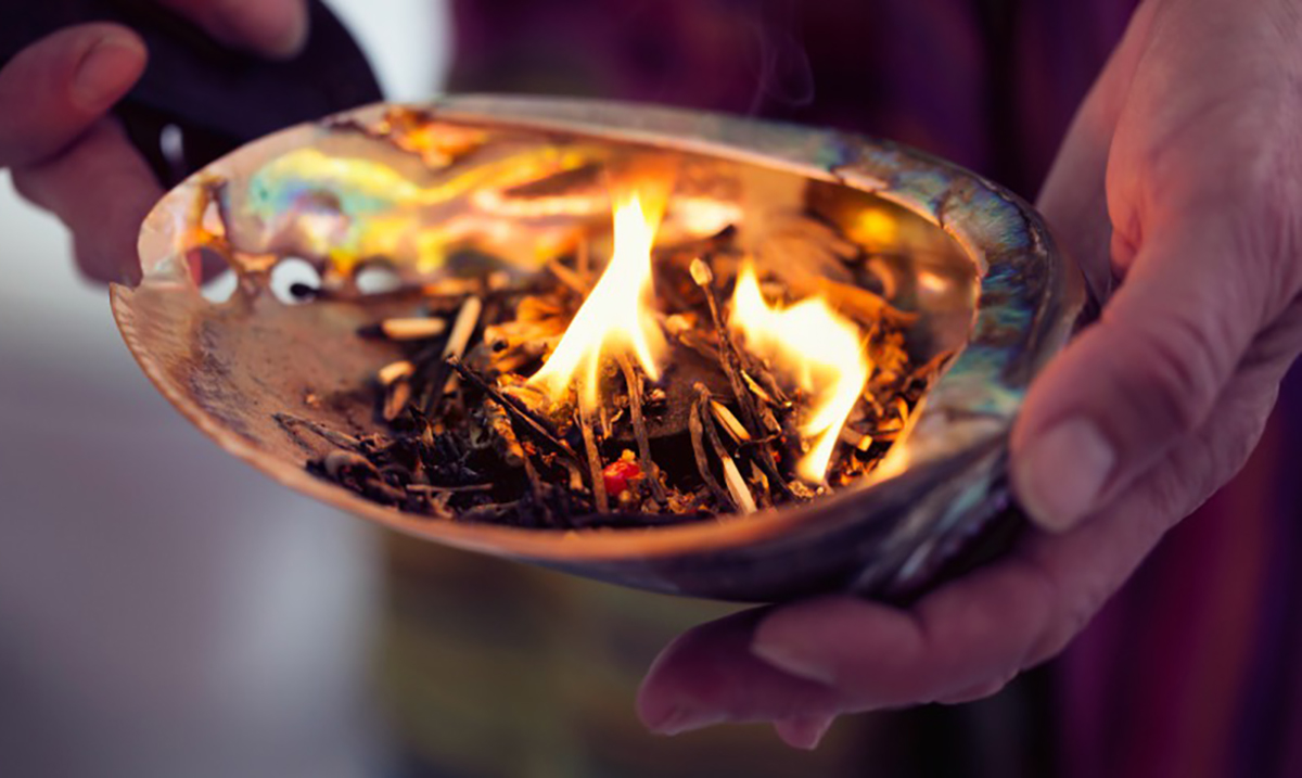 The Science Behind Smudging: Once You Understand This You Will Want to Begin Smudging Immediately