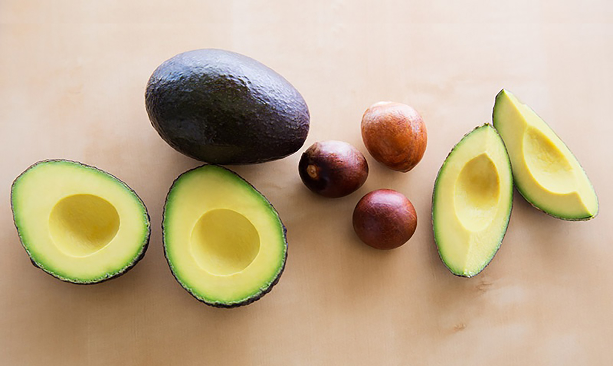 Don't Throw Away Your Avocado Seeds – They Fight Cancer!