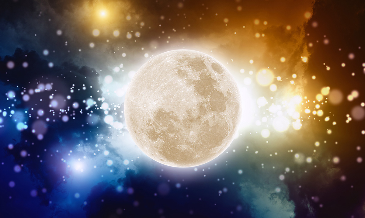 Prepare For the Upcoming Full Moon In Sagittarius With This Grounding Full Moon Ritual