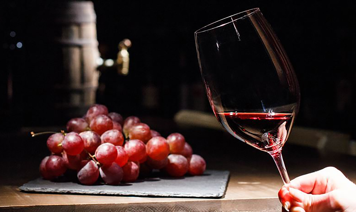 12 Science-Backed Reasons Why You Should Drink Wine Every Day