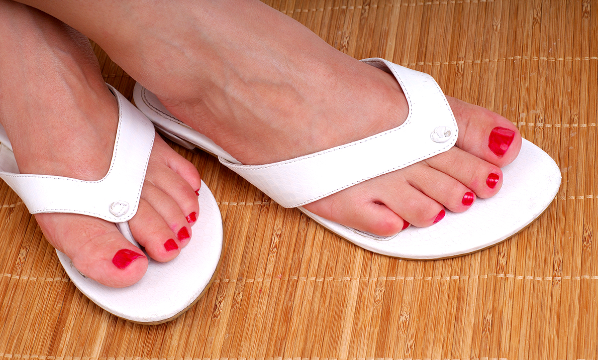 7 Reasons Why You Should Never Wear Flip-flops Again