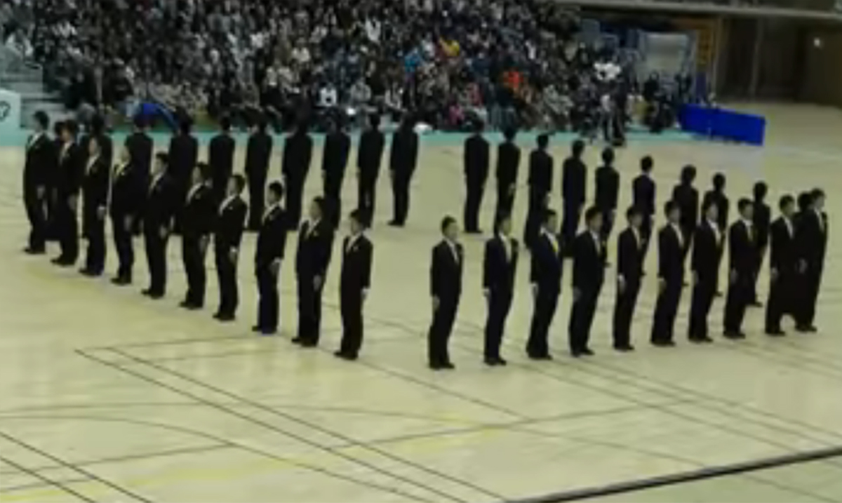 This Video of Synchronized Japanese Walking Will Leave You Hypnotized