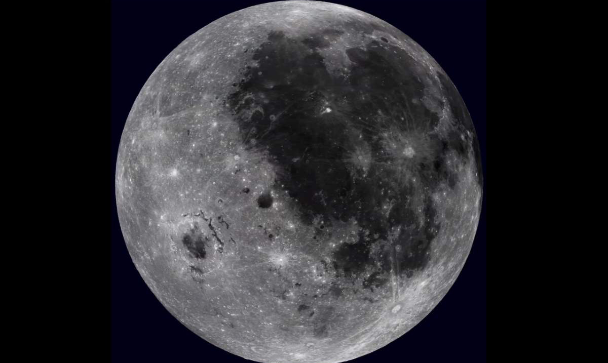 Watch the Entire Rotation of the Moon In this Beautkiful, High Resolution Film