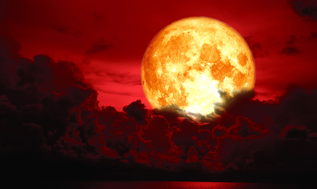 Super Blood Moon Total Lunar Eclipse To Merge In Rare Celestial Event