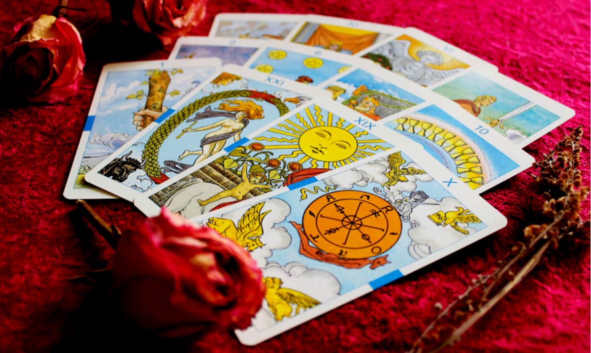 Prepare to Manifest Your Deepest Desires With Your January 2019 Tarotscope