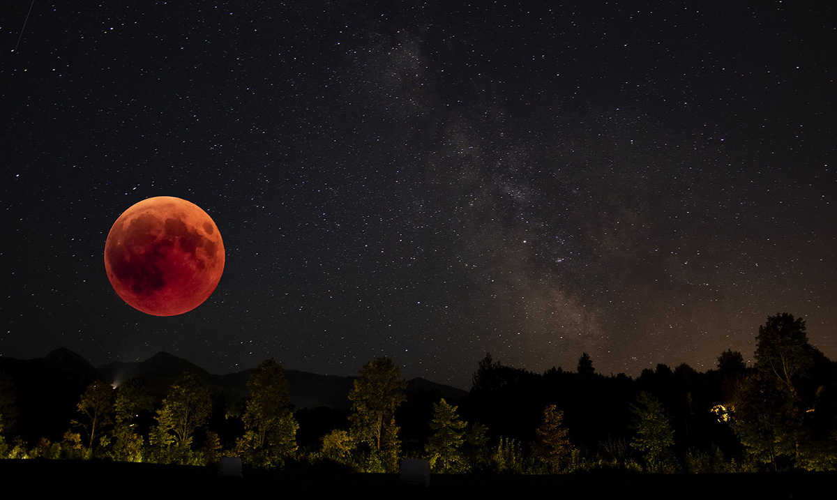 The Blood Moon Isn't Going To Bring The 'End Of The World', But It May Cause This Instead