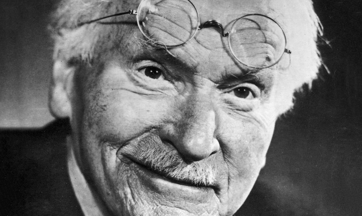 The 5 Elements of Life And Happiness According To Carl Jung