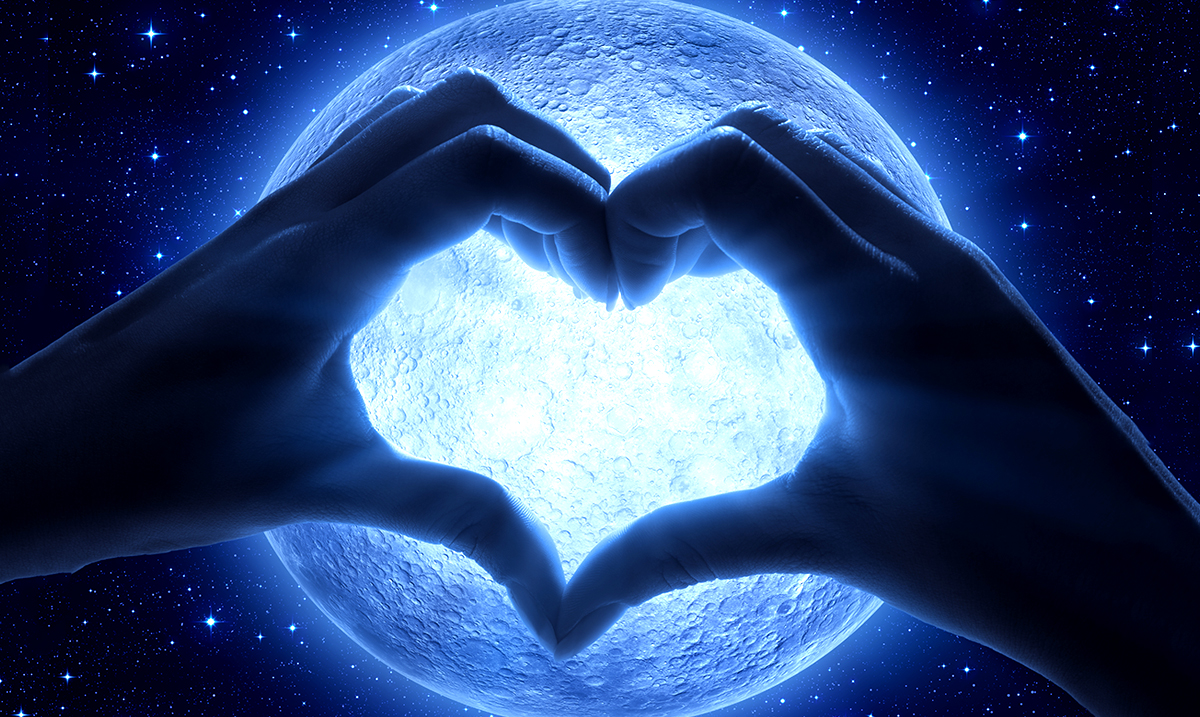 The Upcoming Super Full Moon In Libra Will Force You To Bring Focus and Clarity to Your Relationships