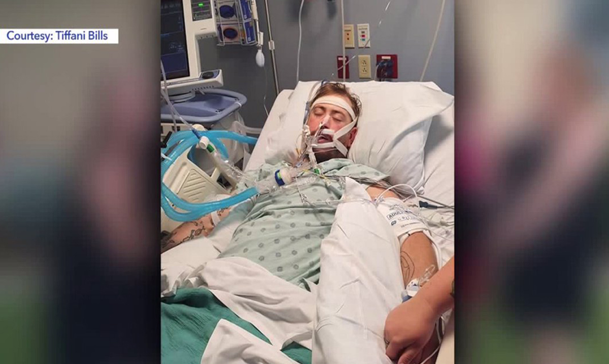 Man Ends Up On Life Support After Developing Possible Vaping Related Illness