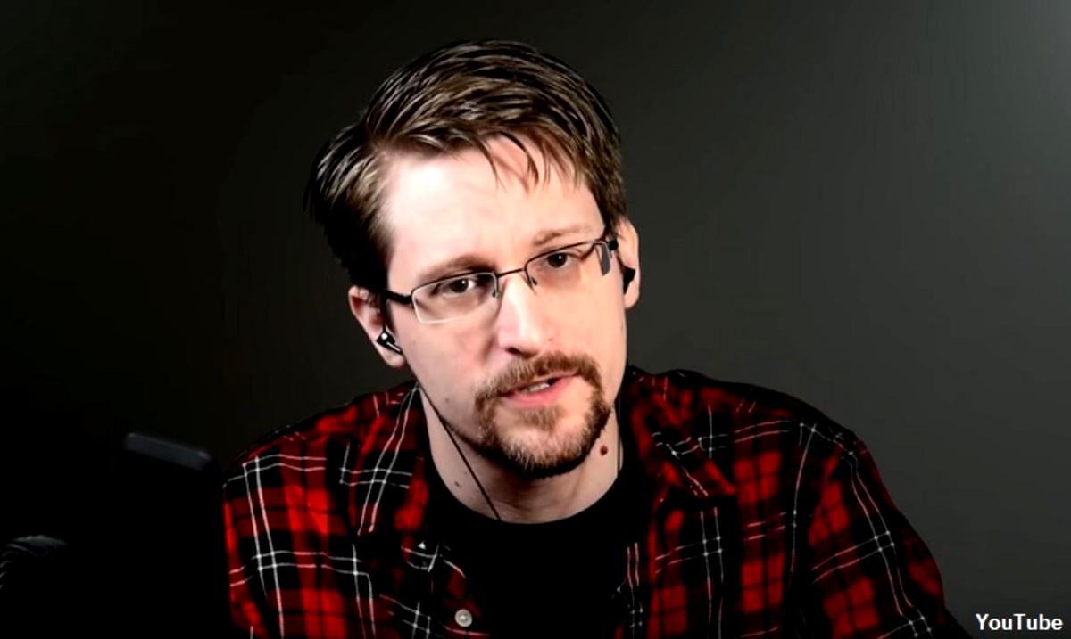 It Knows When You Sleep – Edward Snowden Explains Privacy To Joe Rogan