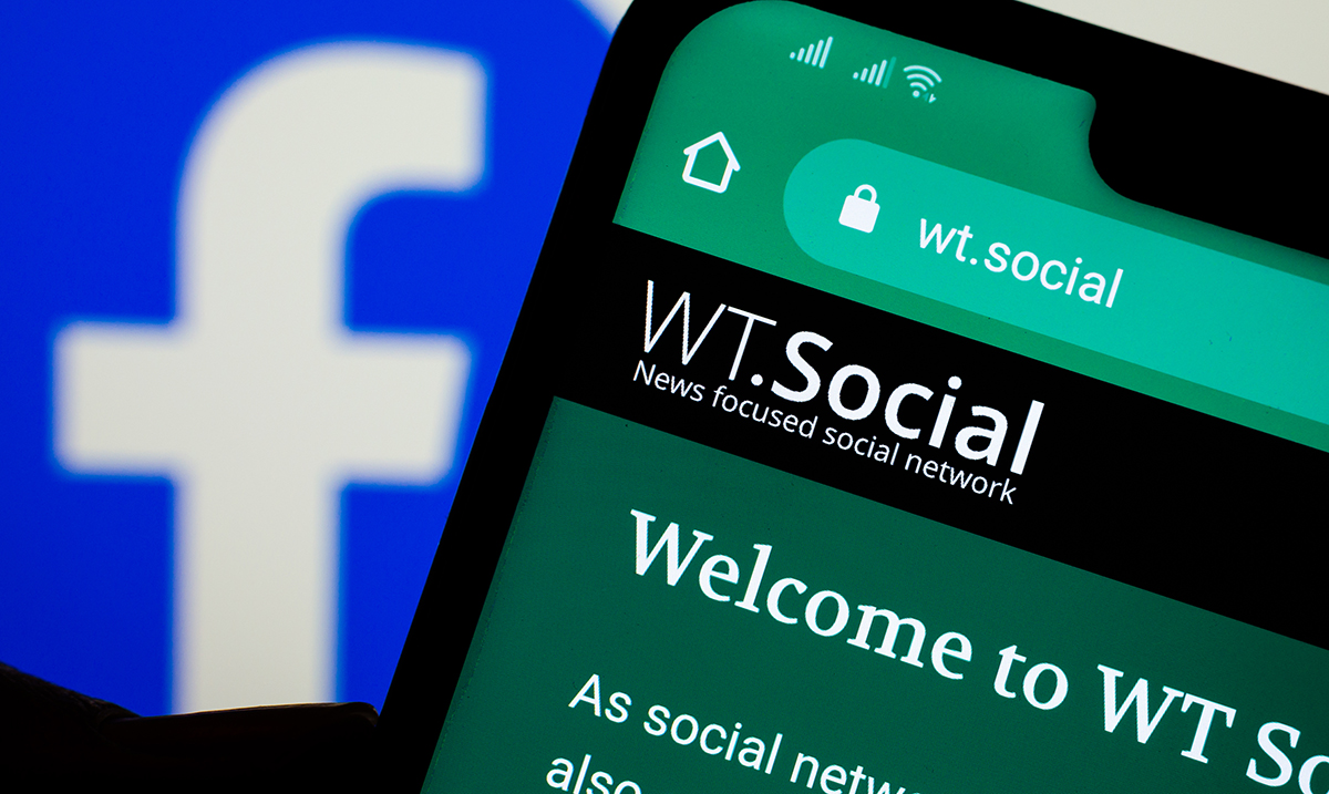 Wikipedia Co-Founder Launches Ad-Free Social Media Platform To Rival Facebook