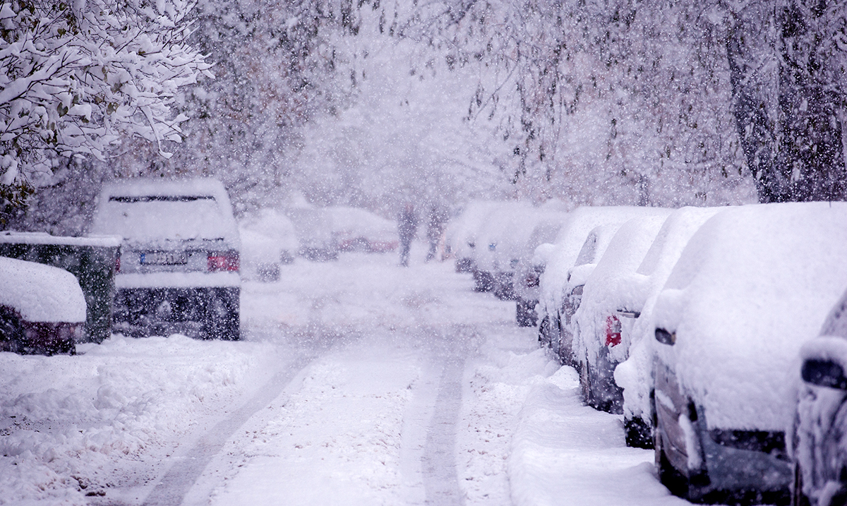 UK Prepares For Coldest Winter In 50 Years, It's Already Snowing