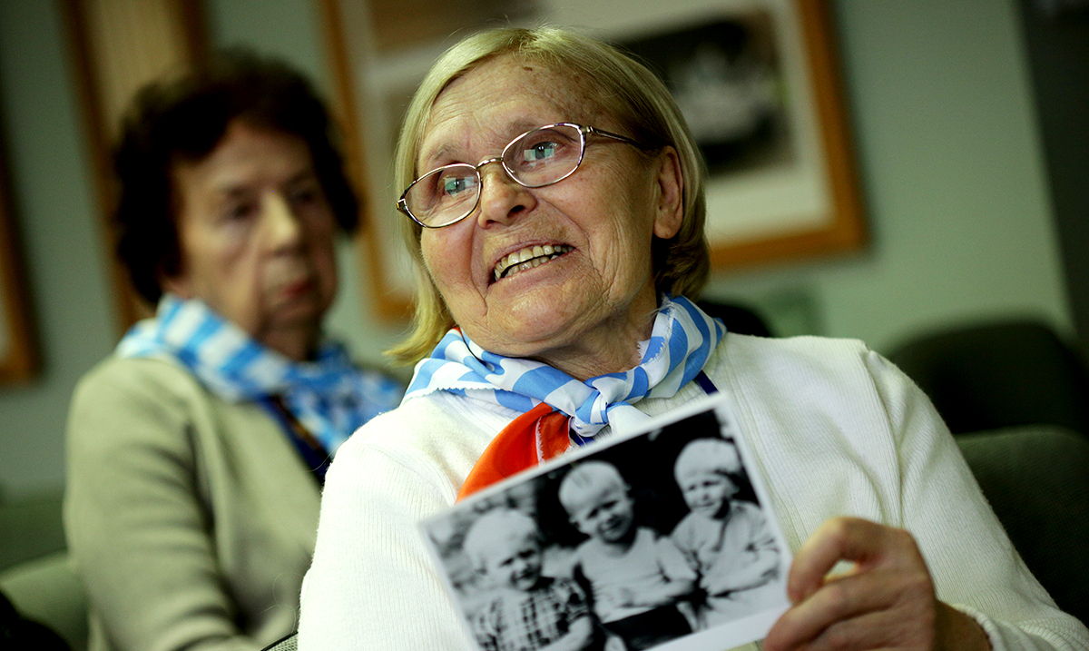 Auschwitz Survivors Return For 75th Anniversary Of Liberation – Remembering The Lost
