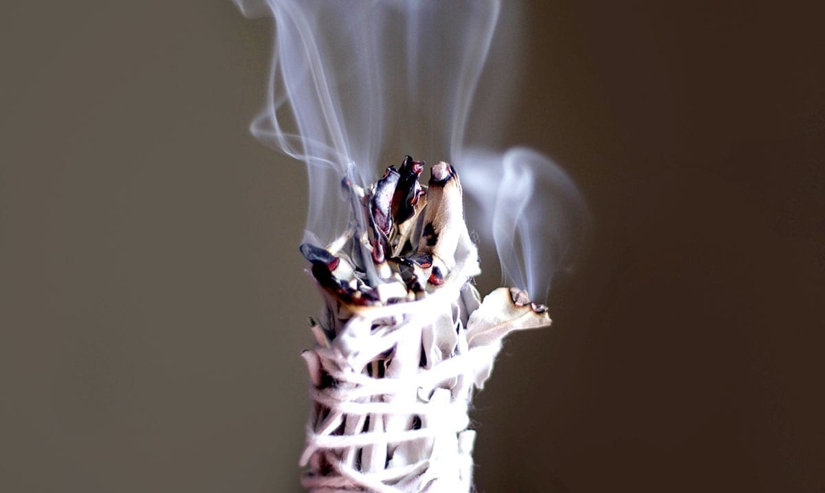 Fix Your Vibe – 7 Different Magical Smudges