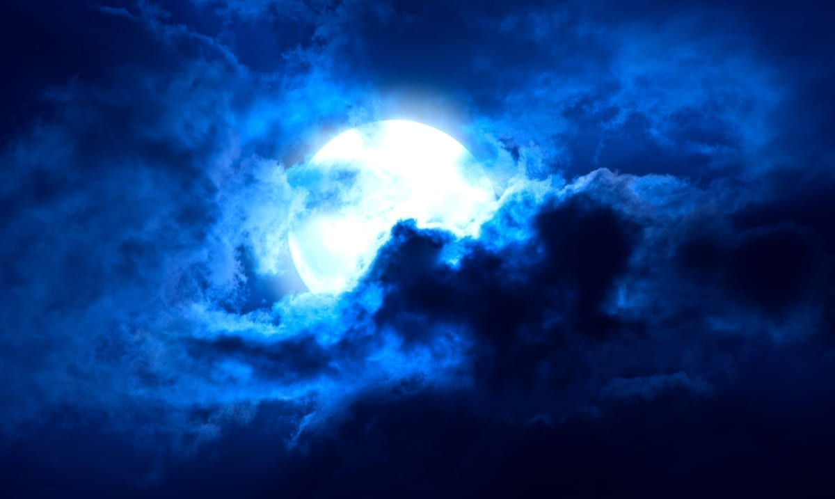 These 4 Signs Will Be Most Affected By Halloween's Blue Full Moon