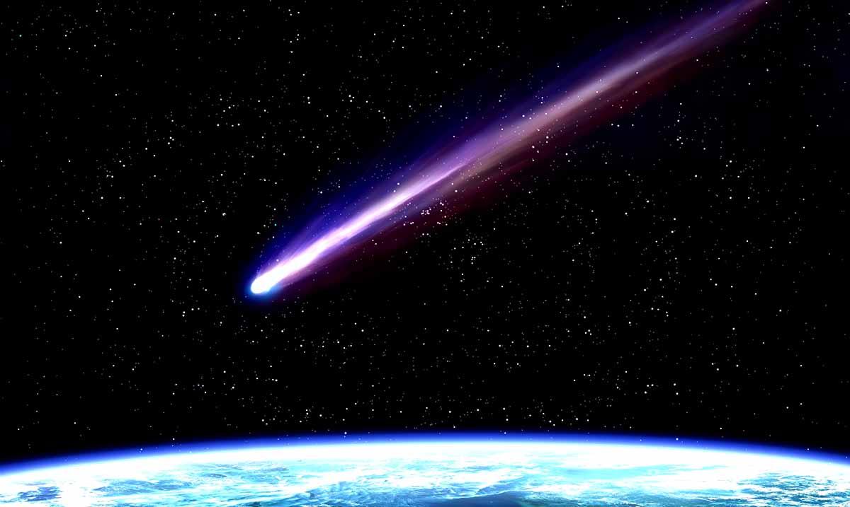 Shooting Stars To Light Up The Sky Like Celestial Christmas Lights