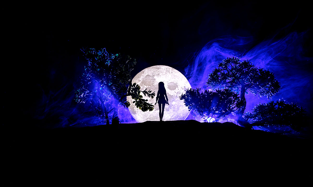 March's Full Moon May Have Passed But Its Energies Won't Be Dying Down Anytime Soon