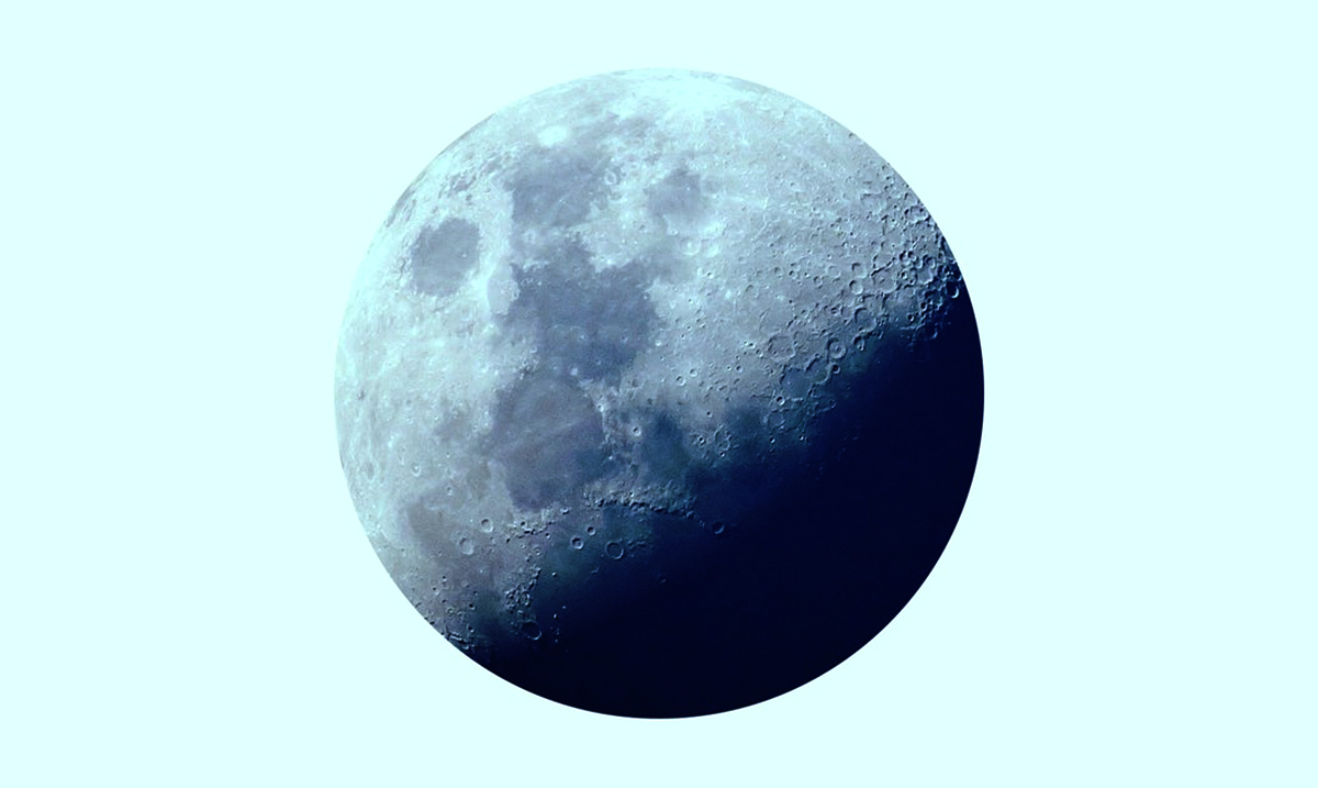 Prepare Yourselves! July's New Moon In Cancer Is Here To Shake Up Your Life