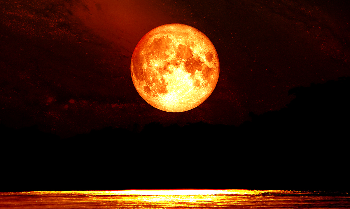 13 Things To Do During The Full Moon